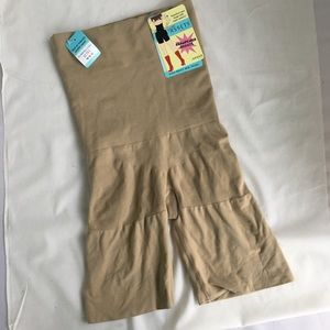 NWT Spanx Assets nude sz large